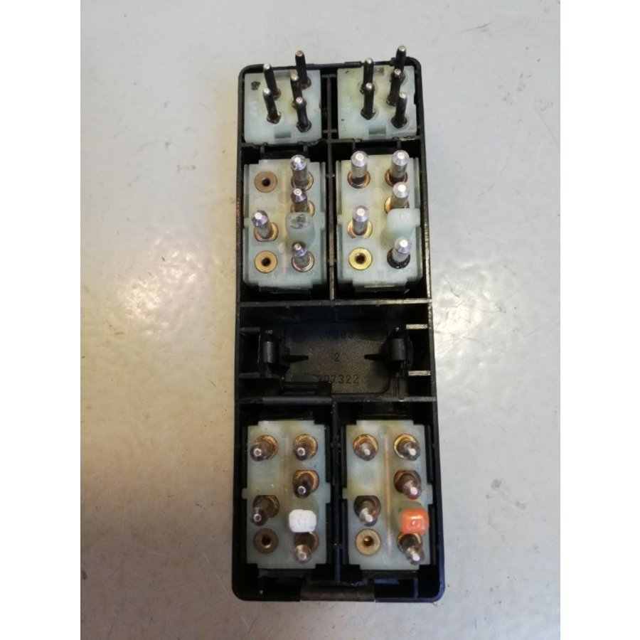 Switch panel electrically operated windows and outside mirror switches 3544300 uses Volvo 740, 940, 960
