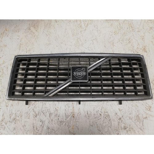 Radiator grille 1247271 uses Volvo 240, 260