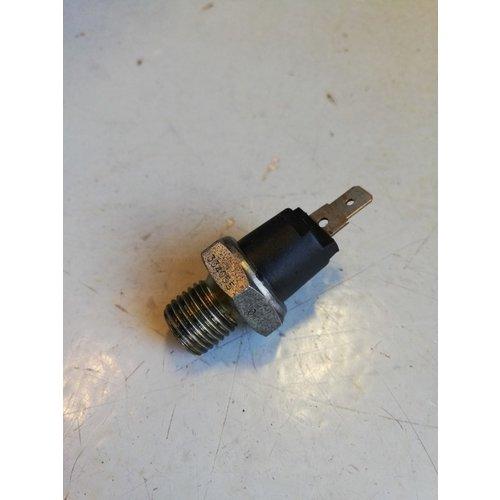 Oil pressure sensor B14 / B172 engine 3342004-3 used Volvo 340