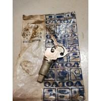 Slotcilinder cilinderslot portier 677673 NOS Volvo 140, 164