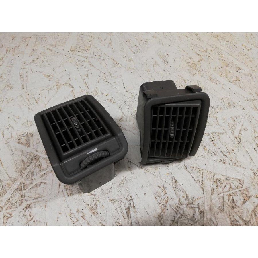 Ventilation grille dashboard 3430593 used Volvo 440, 460