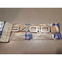 Belettering embleem achterzijde kofferbak 3202375-6 NOS Volvo 340