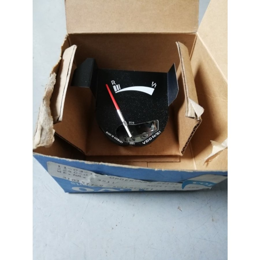 Fuel gauge clock set 3101577-9 NOS Volvo 66