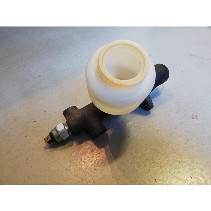 Master brake cylinder complete for single brake circuit 893048 NOS DAF 44