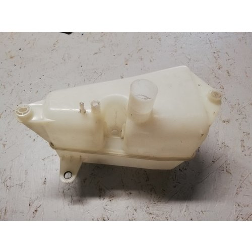 Windscreen washer reservoir 9151141 NOS Volvo 850