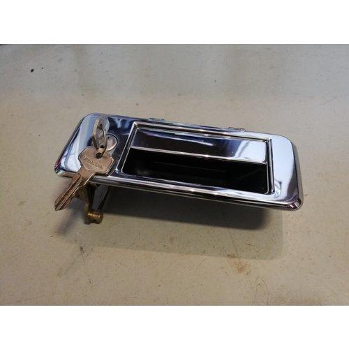 Portiergreep buiten voorzijde RH chrome/zilver 3266978-0 NOS Volvo 343, 345