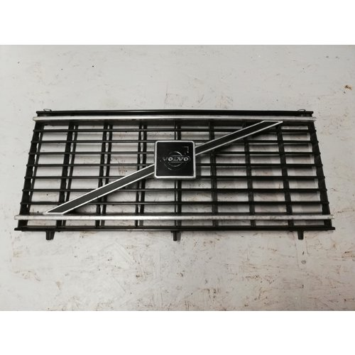 Radiator grille 1248818 uses Volvo 240, 260