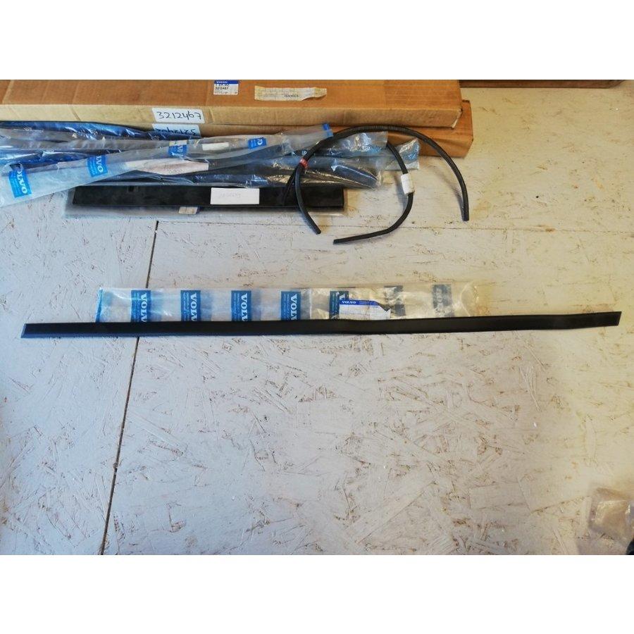 Trim molding rubber 27mm door front door RH 3445177-3 NEW Volvo 440, 460
