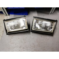 Koplamp LH/RH  Headlight LH / RH  1258202 / 1258203 used Volvo 240, 260 gebruikt Volvo 240, 260