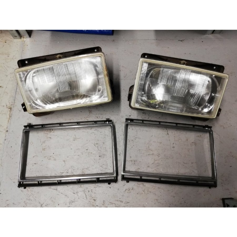 Headlight LH / RH Headlight LH / RH 1258202/1258203 used Volvo 240, 260 used Volvo 240, 260