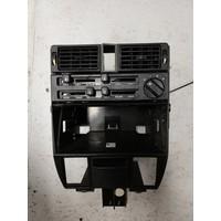Behuizing frame dashboard midden 3283594-4 gebruikt Volvo 340, 360