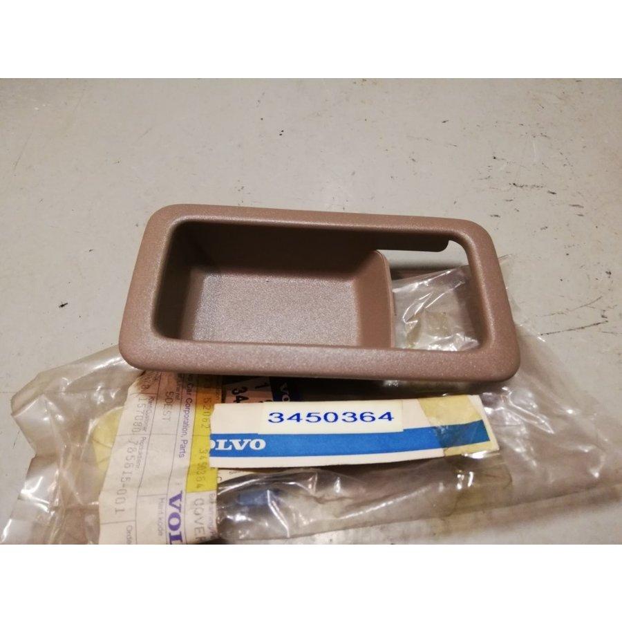 Schaal deurgreep voorportier Beige/creme kleur 3450364 NOS Volvo 440, 460