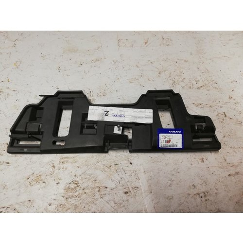 Bracket, bumper right outside 30800913 NEW up to -2004 Volvo S40, V40
