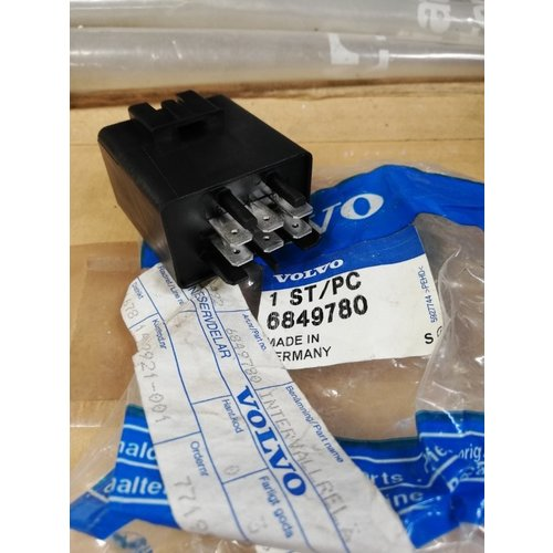 Relay wiper black 6849780 NOS Volvo 240, 260, 740, 760, 780, 940, 960 series