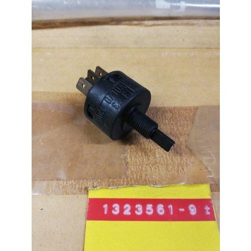 Lichtschakelaar verlichting 1323561 NOS Volvo 740, 760