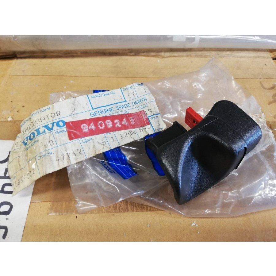 Button back seat unlocking RH 9409246 NOS Volvo 850