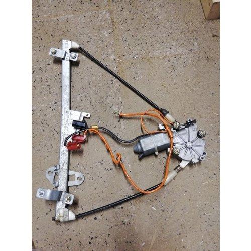Raammechanisme electrisch voorportier LH 3467114 gebruikt Volvo 440, 460