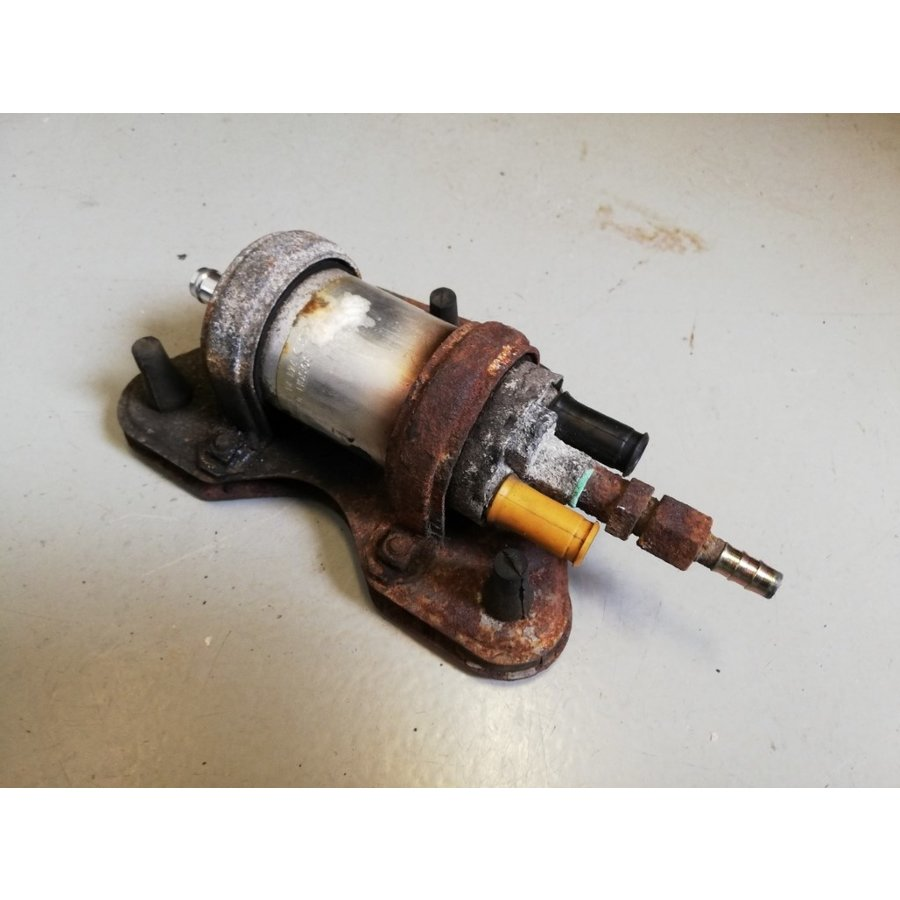 Electronic fuel pump original 1389449 uses Volvo 240, 260, 360, 740