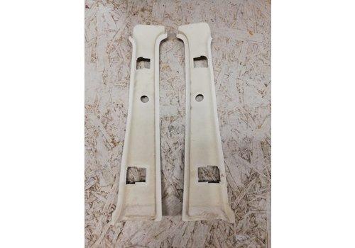 Afdekkap achter gordel creme/beige B-stijl zijkant boven 3-deurs LH/RH 3276068/3276069 gebruikt NOS Volvo 343, 340