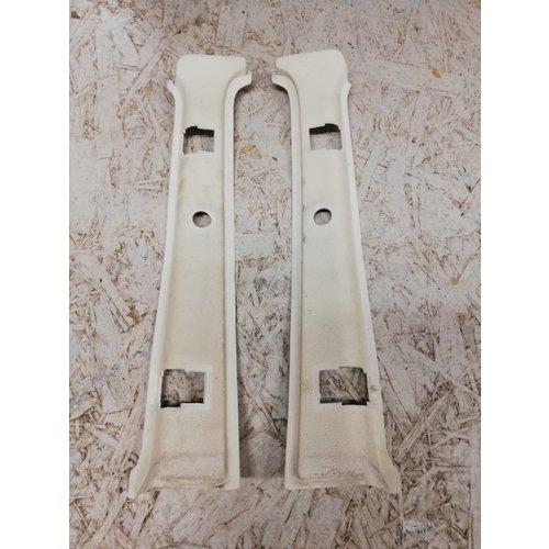 Cover behind belt cream / beige B-pillar side above 3-door LH / RH 3276068/3276069 used NOS Volvo 343, 340