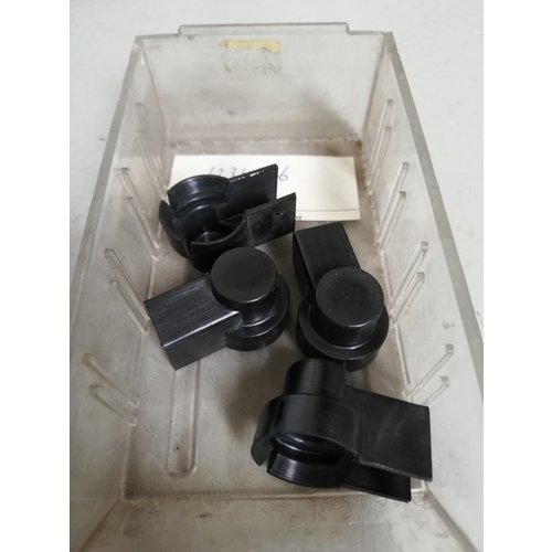 Plastic afschermkap stroomkabelaansluiting 1234326 NOS Volvo 200, 300, 700 en 900 serie