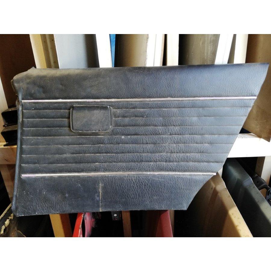 Deurbekleding binnendeurpaneel zwart LH / RH achter gebruikt Volvo 66