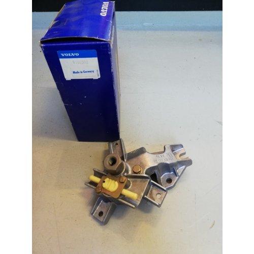 Bracket, fuel filter bracket 9180598 NOS Volvo 850, C70, S70, V70, V70XC series