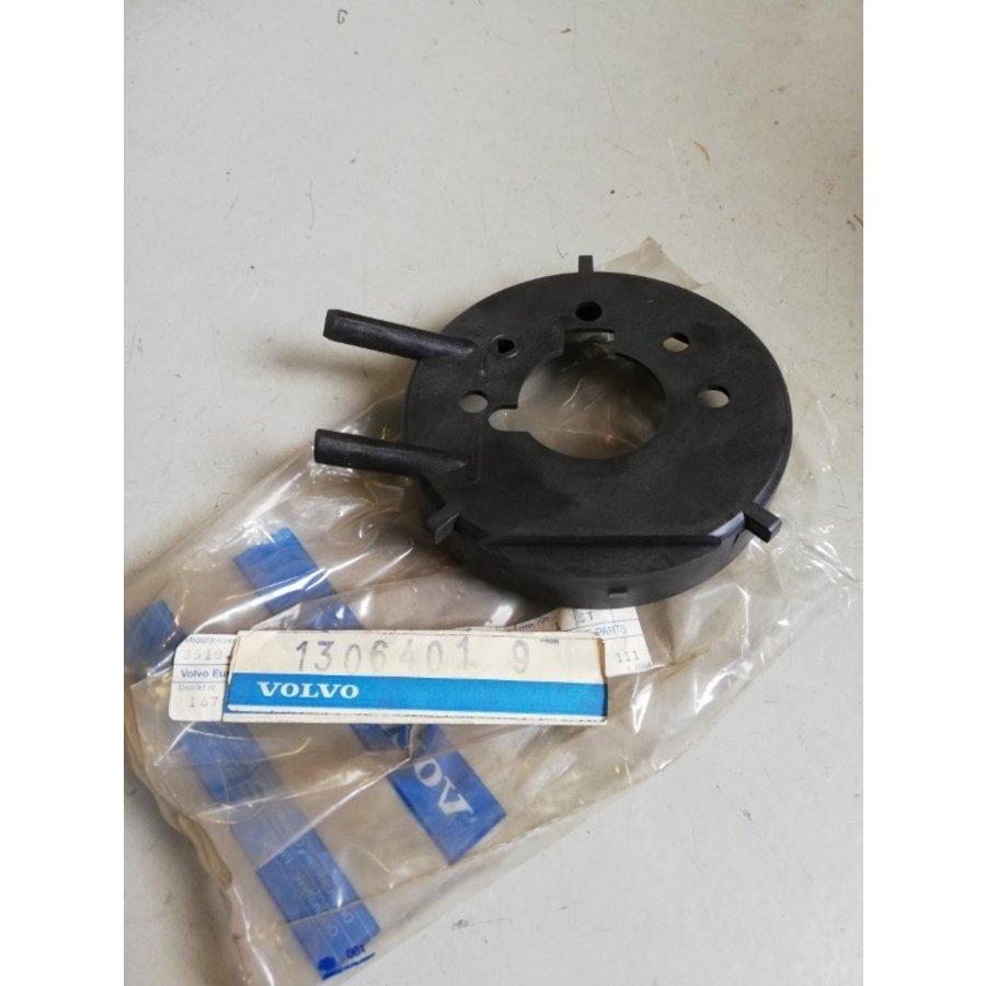 Adapterplaat, verbindingsplaat luchtfilterhuis B17A, B19A, B21A, B23A motor 1306401 NOS Volvo 240