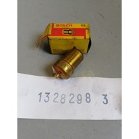 Sproeier verstuiver Bosch D24T motor 1328298 NOS Volvo 240, 740, 760
