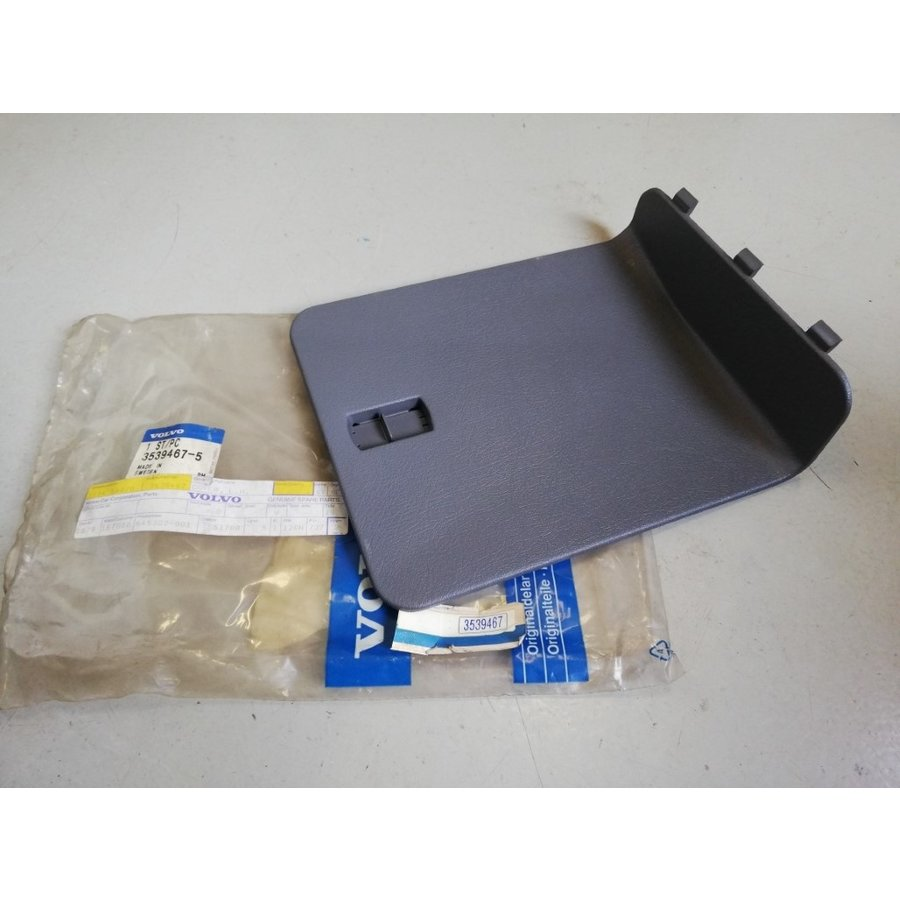 Cover cap luggage compartment trunk LH 3539467 NOS Volvo 850