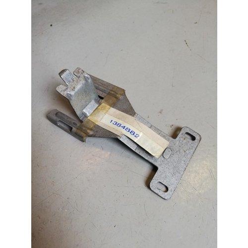 Amplifier mounting bracket 1384882 NOS Volvo 940, 960, S90, V90