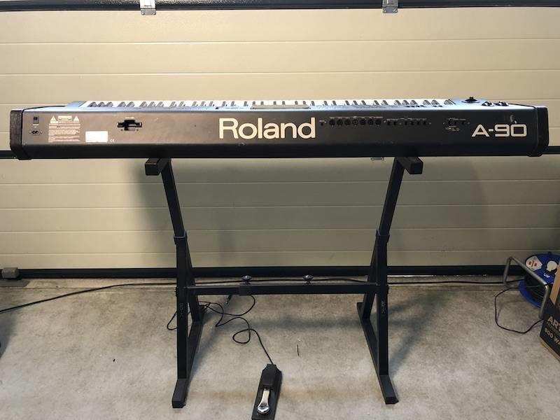 ROLAND A90 EX met flightcase
