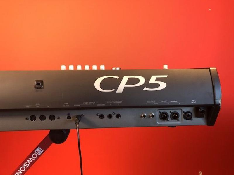 Yamaha CP5 STAGE (jong gebruikt)