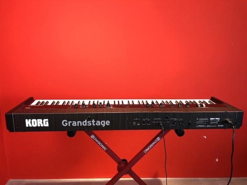 KORG Grandstage 88 gewogen toesten (jong gebruikt)