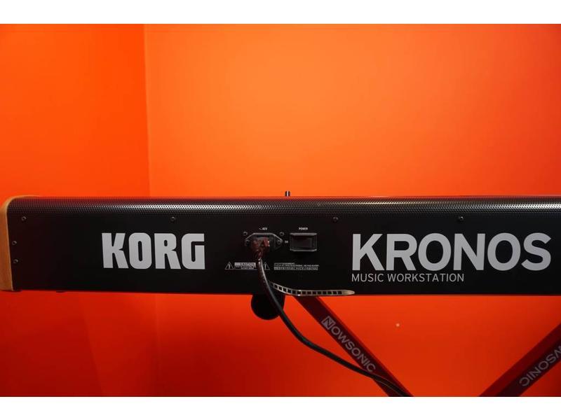 KORG Korg Kronos 2 88 (Jong Gebruikt)