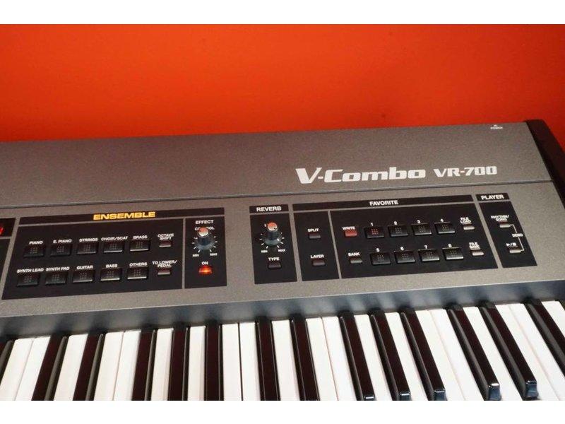 ROLAND V-Combo VR700 (gebruikt)