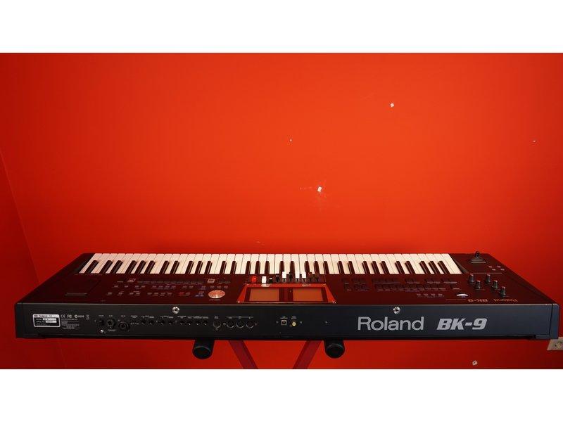 ROLAND BK9 (jong gebruikt)