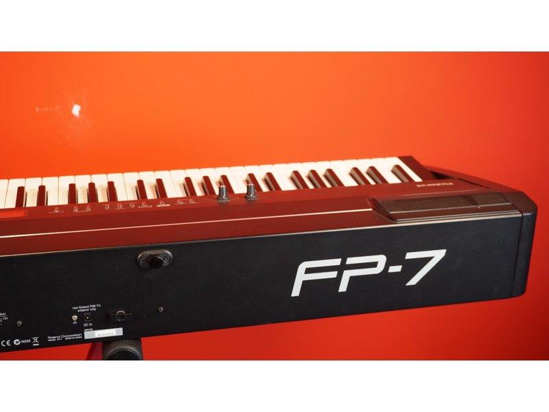 ROLAND FP7 (met softcase)