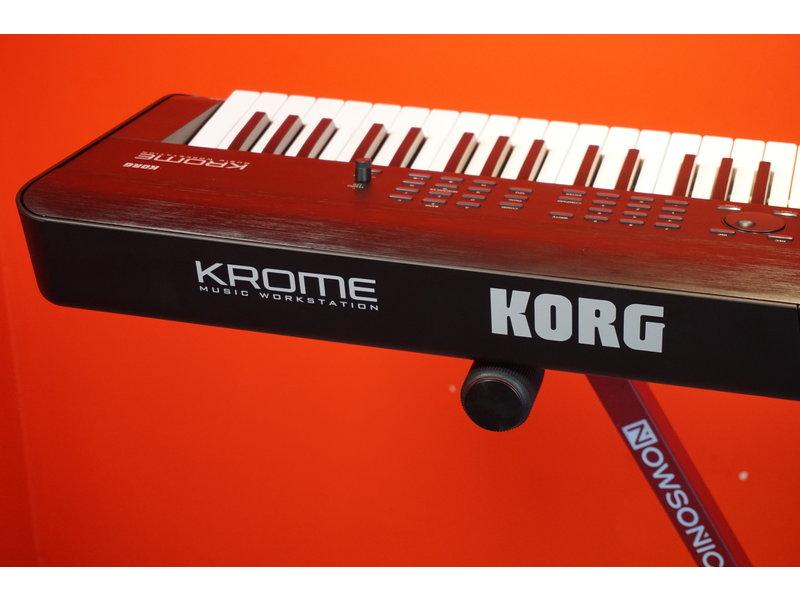 KORG KROME 73 met softbag (jong gebruikt)