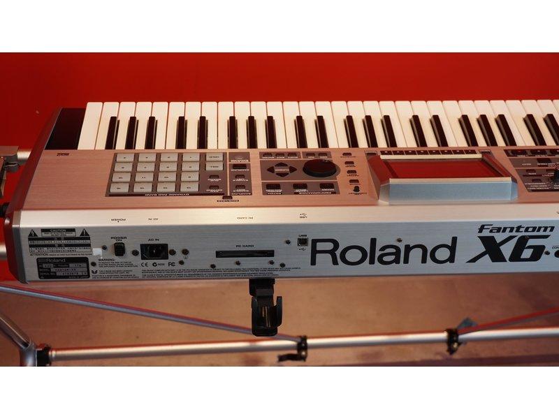 ROLAND Fantom X6 (gebruikt)