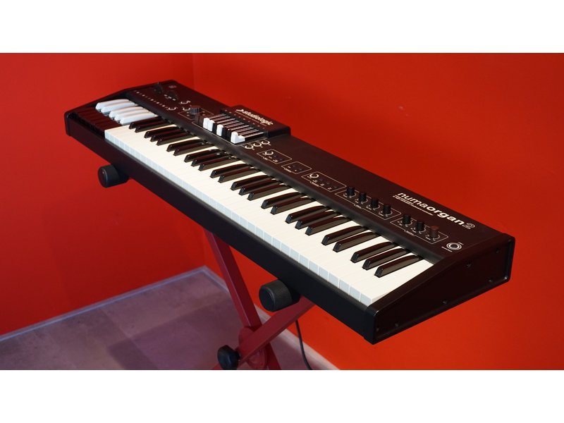 Studiologic Numo Organ 2 (jong gebruikt)