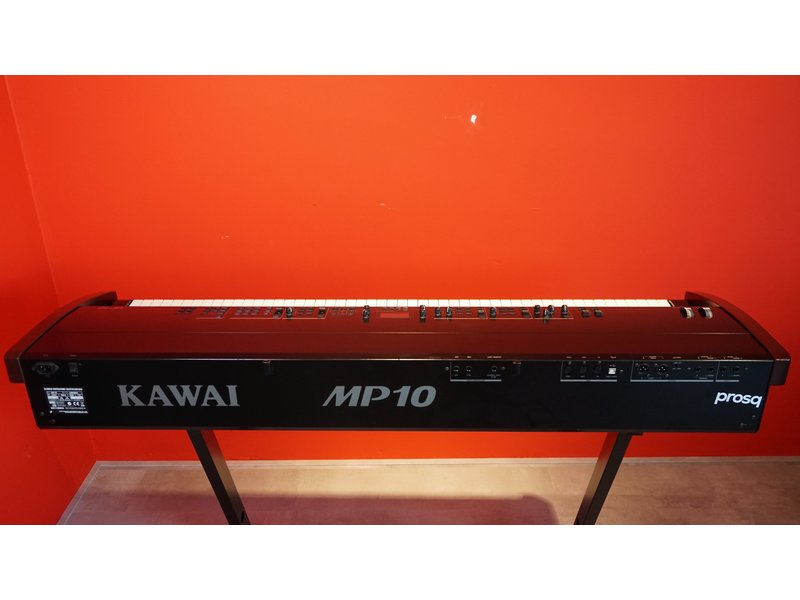 KAWAI MP10 (met flightcase en dubbelpedaal)