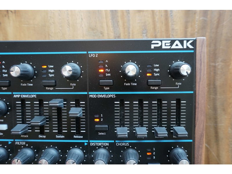 Novation Peak (B-stock)