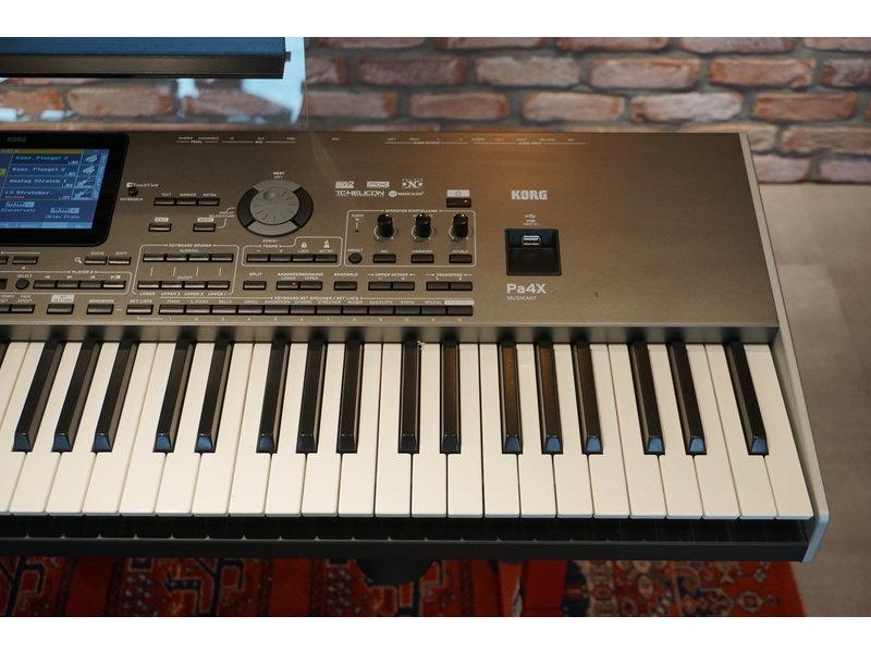 KORG Pa4x 76 Musikant (jong gebruikt)