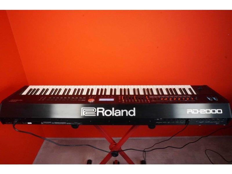 ROLAND RD2000 (jong gebruikt)