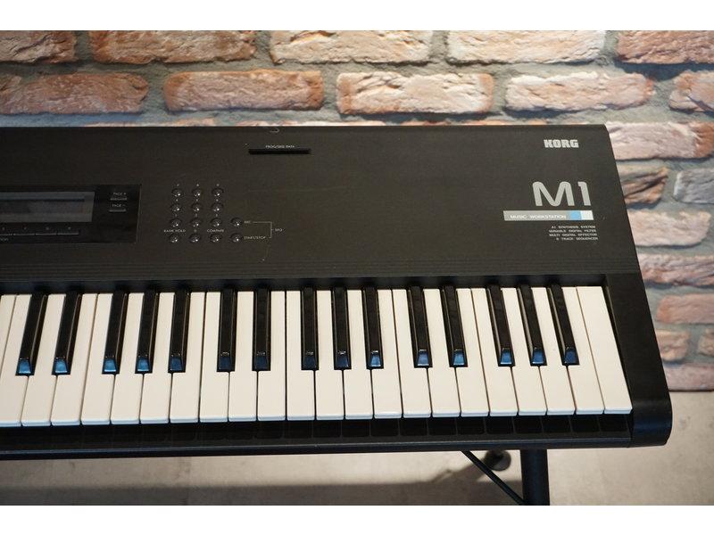 KORG M1 (gebruikt)