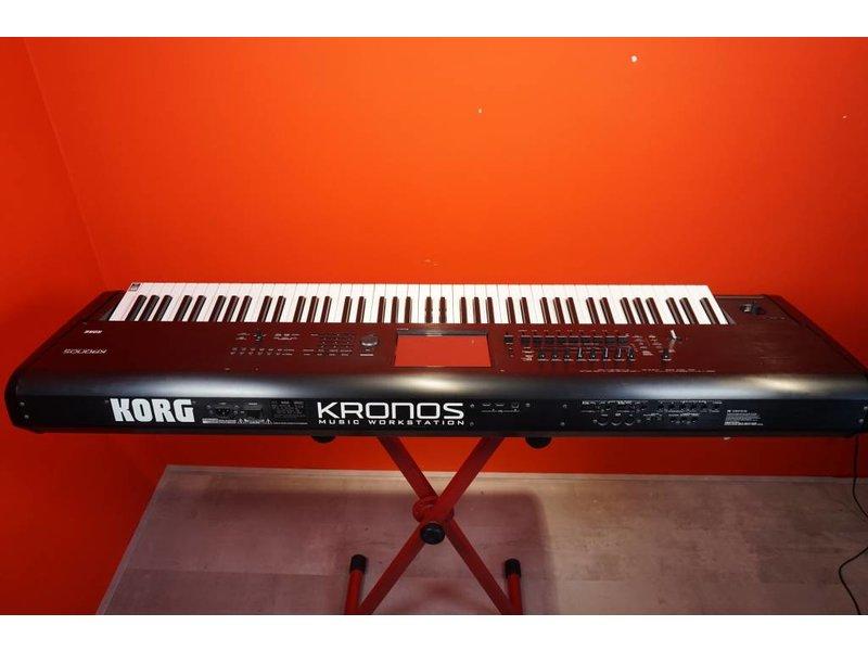 KORG Kronos V1 88 (gebruikt)