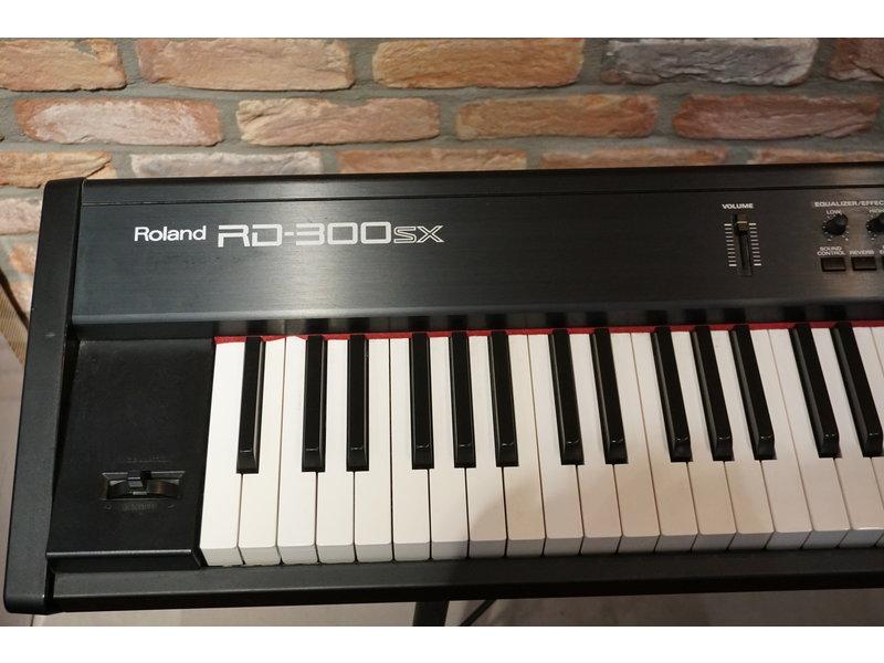 ROLAND RD300SX (gebruikt)