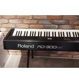 ROLAND RD300NX (jong gebruikt)