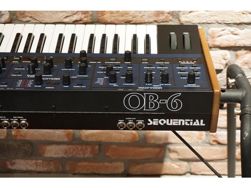 Oberheim OB6 (jong gebruikt)